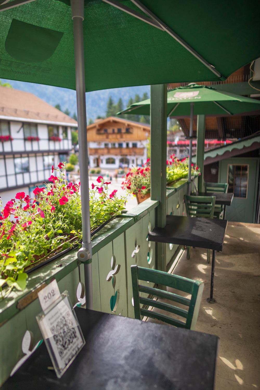 colchucks-outdoor-patio